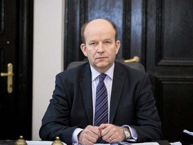 Co zagraża pozycji ministra