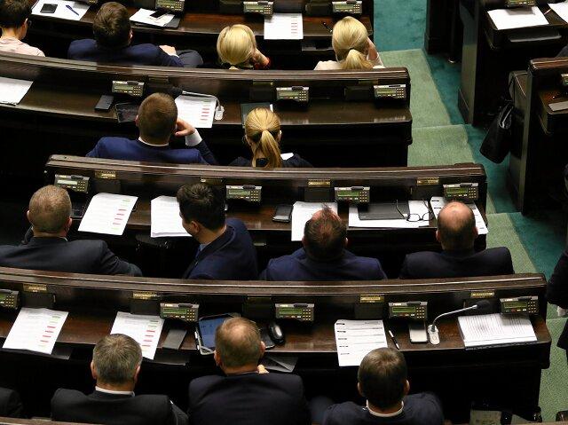 Sejm uchwalił ustawę osieci