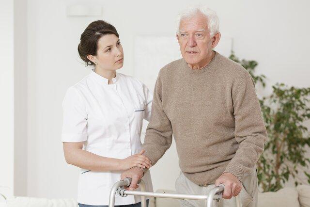 oddychanie osoba starsza