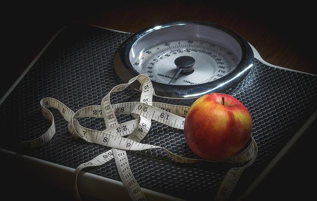 spotyka się z anoreksją