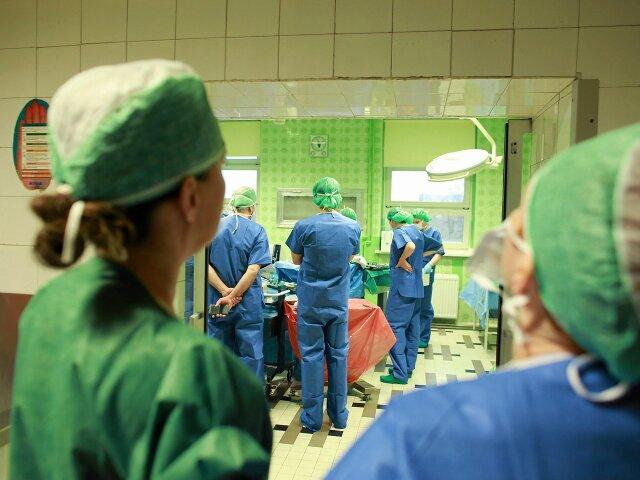 Podwyżki dla lekarzy – więcej pytań niż odpowiedzi