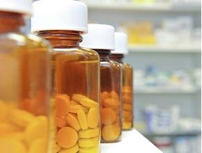 Хлорохін або гідроксихлорохін улікуванні хворих на COVID-19 — допомагаємо чи шкодимо?