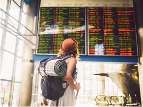 Подорожі за кордон під час пандемії COVID‑19: ризик інфікування на борту літака або круїзного судна