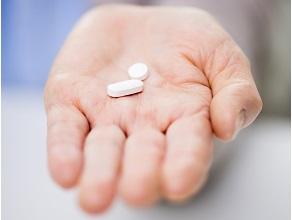Лопинавир/ритонавир всочетании со стандартным лечением, по сравнению с только стандартным лечением, убольных COVID-19 с тяжелым течением