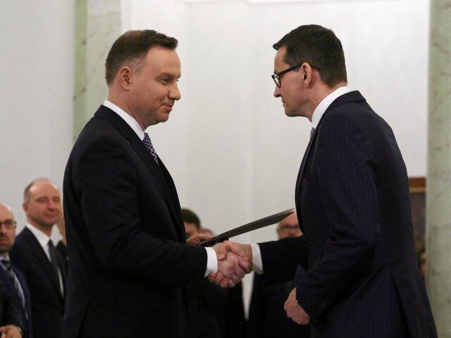 Nowy premier irząd, ale ministrowie bez zmian