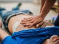 Jakie są modyfikacje postępowania wzatrzymaniu krążenia spowodowanym zatorowością płucną?