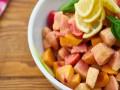 Sałatka z kurczaka i owoców