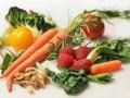 Dzieci jedzą więcej owoców iwarzyw, ale nadal za mało