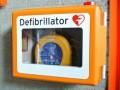 Na ulicach Łodzi pojawi się 80 AED