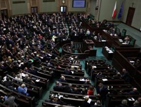Sejm uchwalił ustawę oe-skierowaniach