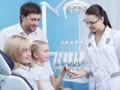 Wizyta adaptacyjna dziecka wgabinecie stomatologicznym