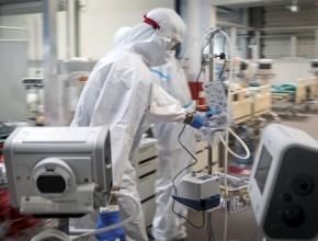 Śmiertelność zpowodu COVID-19 nadal wysoka