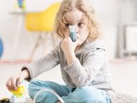 Czy wziewne glikokortykosteroidy wpływają na ryzyko zakażeń dróg oddechowych udzieci chorych na astmę (metaanaliza)?