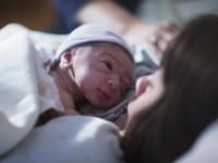 Młode matki nie słuchają przeciwników szczepień?